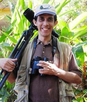 Luis Morales bio (72ppi 4x)